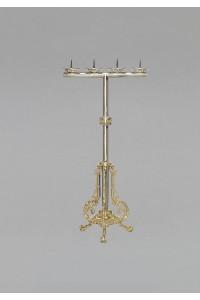 Un chandelier 264