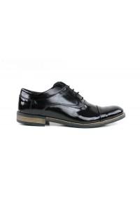 Chaussures noires avec tige...